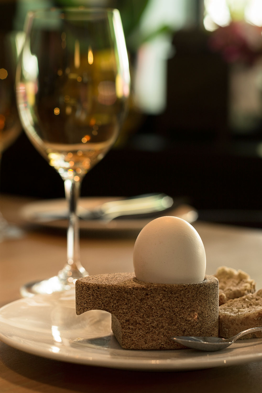 AGUEVO_cork-egg-cup-02
