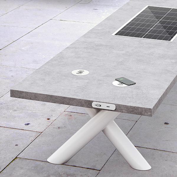 Sun-Set_smart-bench_in-tenta
